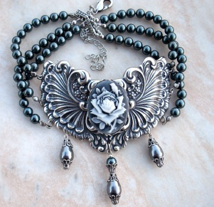 gray_princess_choker_by_aranwen