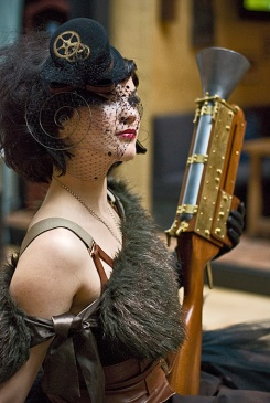 The Raconteuse wielding a blunderbuss built by Will Segerman
