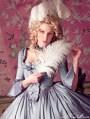 Marie Antoinette Cupcake