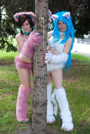 Kumi_and_Felicia_by_EnjiNight