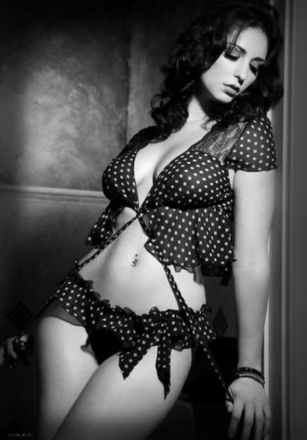 Sexy, Vivacious, Curvaceous, Ladies (2)