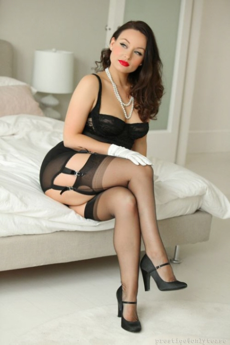 Sexy, Curvaceous, Vivacious, Ladies (2)