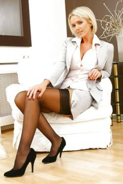 Lovely Leggy Lady (41)