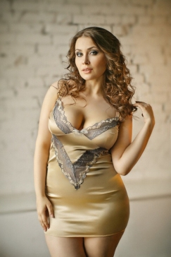 Curvaceous Ladies (6)