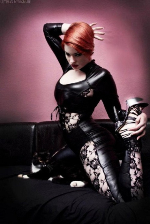 Luscious Lusty Latex Ladies (30)