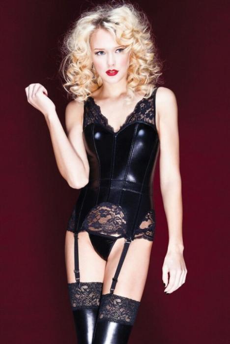Luscious Lusty Latex Ladies (39)