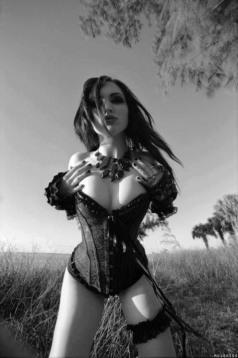 Stylish Gothic Ladies (10)