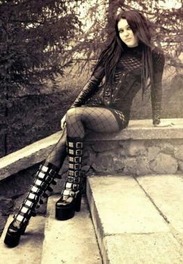 Stylish Gothic Ladies (6)