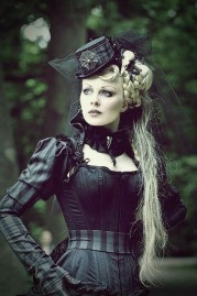 Stylish Gothic Ladies (7)
