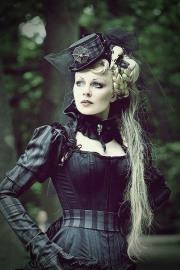Stylish Gothic Ladies (7)