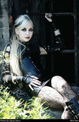 Stylish Gothic Girls (7)