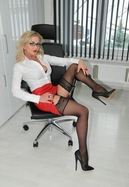 Very Short Skirts (9)