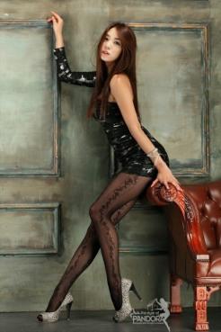Stunning Stockinged Lady (13)