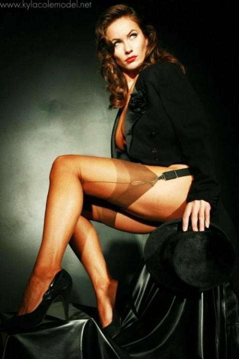 Stunning Stockinged Lady (7)