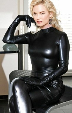 Curvaceous Catsuits (15)