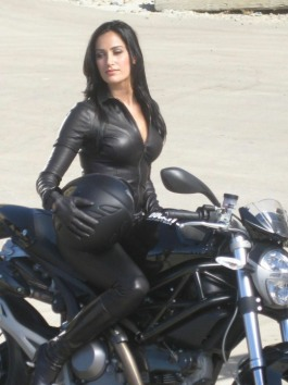 Curvaceous Catsuits (9)