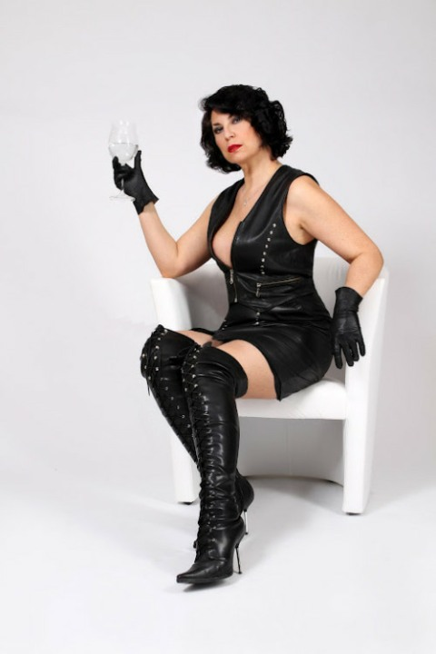 Ladies Of Leather (8)
