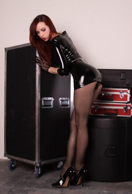 Short Skirts, High Heels (55)
