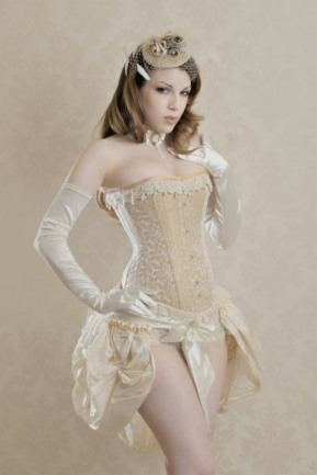 Curvaceous Corseted Cuties (22)