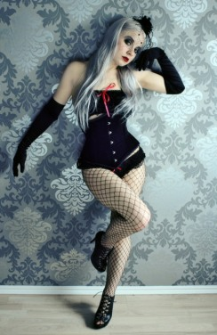 Curvaceous Corseted Cuties (3)