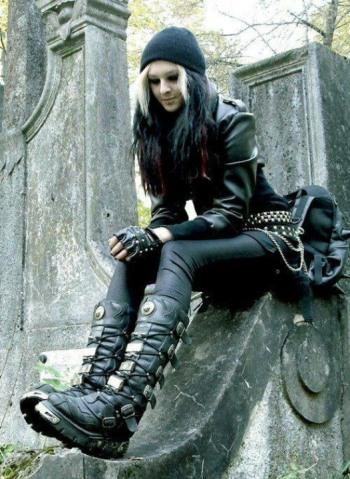 Gothic Ladies Fashion (23)
