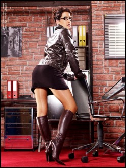 Beauty In Boots (4)