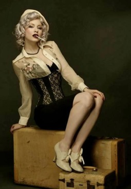 Curvaceous Corseted Cuties (151)