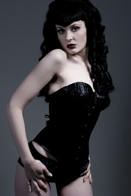 Curvaceous Corseted Cuties (161)