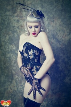 Curvaceous Corseted Cuties (251)