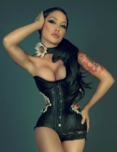 Curvaceous Corseted Cuties (81)