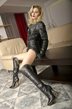 Beauty In Boots (44)