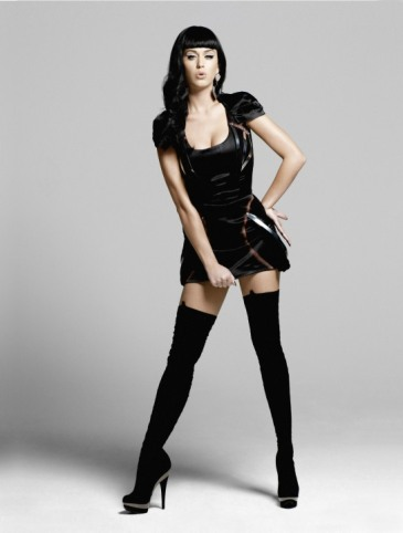 Short Skirt Lovely Legs (1)