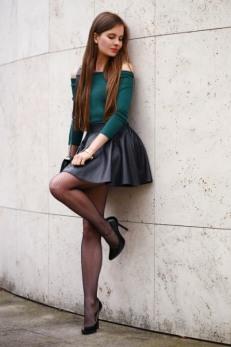 Short Skirt Lovely Legs (4)