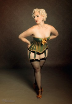 Corseted Curvaceous Cuties (6)