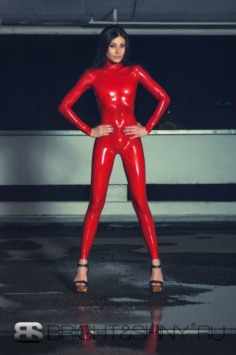 Red Latex Lady (27)