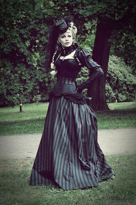 Výsledek obrázku pro Victorian Gothic Ladies