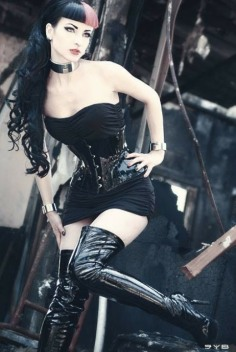 Gothic June Lady (20)