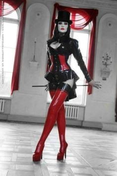 Gothic June Lady (21)