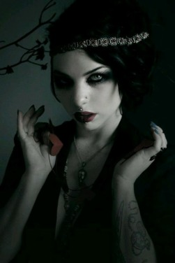 Gothic June Lady (5)
