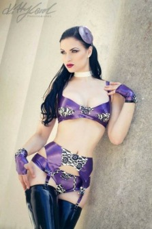 Gothic June Lady (6)
