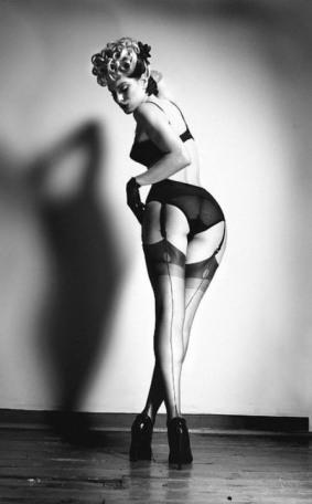 seams-like-stockings-24