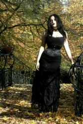 Gothic June Lady (13)