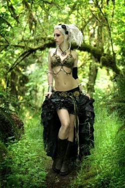 Gothic June Lady (15)
