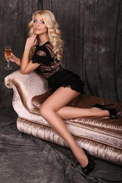 Very Smart Lady (56)