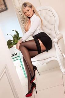 Very Smart Lady (57)
