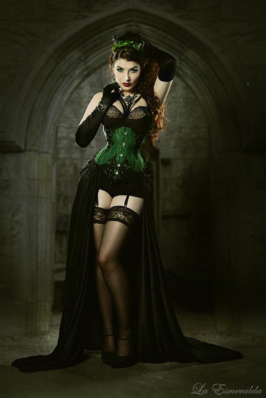 V-Couture Underbust Corset