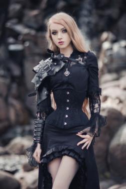 Enchanted Gothic Beauty (1)