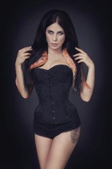 Enchanted Gothic Beauty (10)
