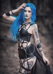 Enchanted Gothic Beauty (4)