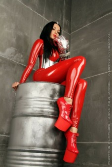 Red Latex Lady (45)